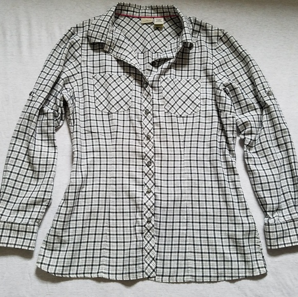 5c8747a65a2 L.L. Bean Tops - L.L. Bean plaid button down shirt fitted S